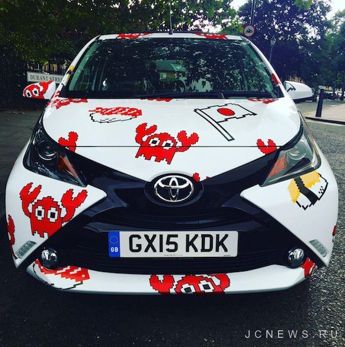 Крабы, суши и японский флаг: Toyota Aygo воплотила «мечты о Токио»