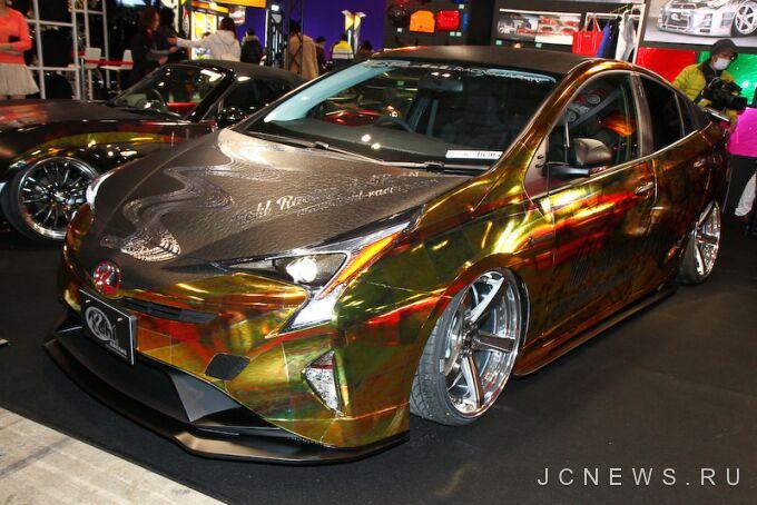 12 оттенков Prius