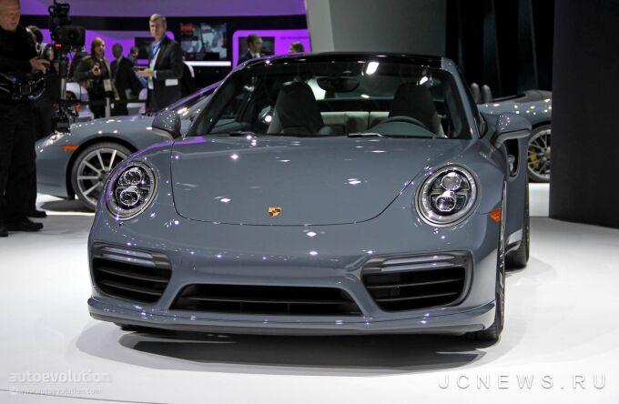 Porsche 911 можно будет включить в розетку уже в 2020 году