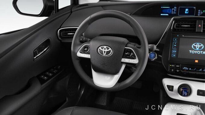 Toyota отзовет Prius