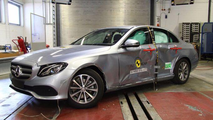 Euro NCAP проверил слабые места Mercedes E-Class