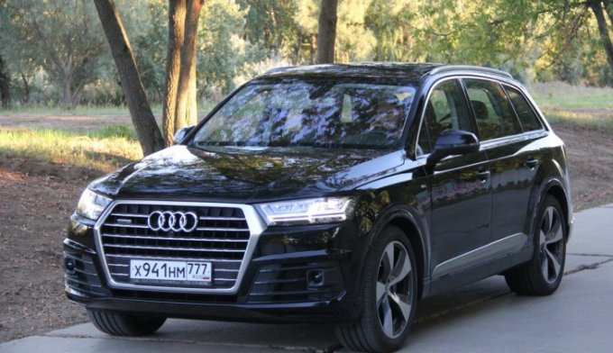 Новый Audi Q7: та ли буква?