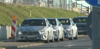 Mercedes-Benz провел по немецким дорогам колонну A-Class
