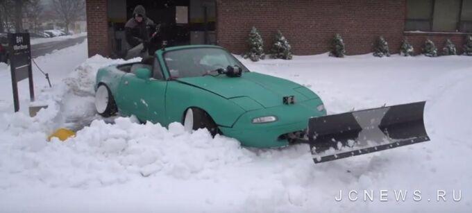 Mazda MX-5 Miata превратился в снегоуборочную технику