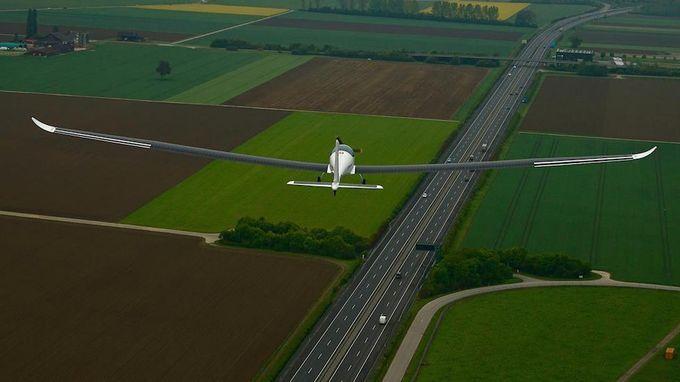 SolarStratos успешно провел первый полет