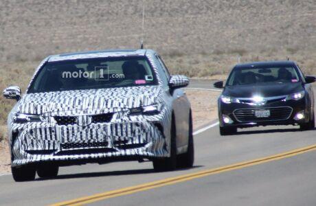 Toyota Avalon впервые засветился на шпионских фото