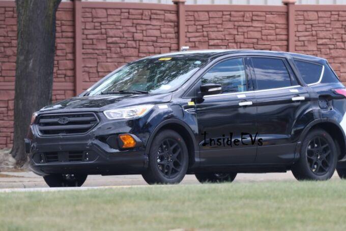 Ford Escape Energi вышел на испытания