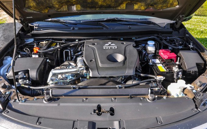Mitsubishi Pajero Sport с дизелем — теперь на 400 тысяч дешевле