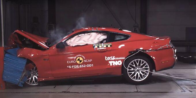 Ford Mustang получил лишь 3 звезды за безопасность