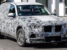 Новый BMW X5M показали под камуфляжем
