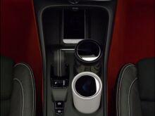 Volvo показал кроссовер XC40 без предупреждения