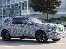 Mercedes GLS показали на первых шпионских фото