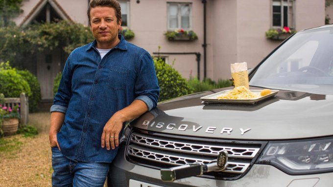 Джейми Оливер приготовил обед в Land Rover Discovery
