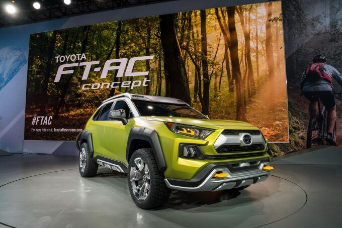 Toyota проверяет реакцию на FT-AC Concept