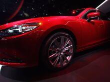 Mazda отрицает возможность слияния с Toyota