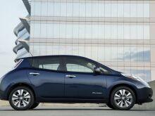 Nissan бесплатно предложил солнечную панель на крышу Leaf