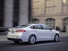 Ford Fusion улучшил уровень безопасности и дальность хода