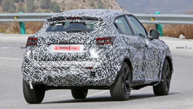 Nissan Juke постепенно снимает камуфляж