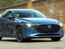 Mazda отзовет в России 12 автомобилей
