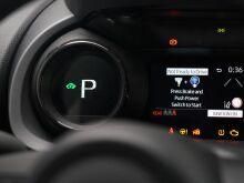 В Европе представили гибридный Toyota Yaris