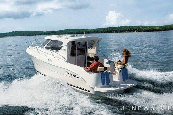 Лодка Arvor Weekender